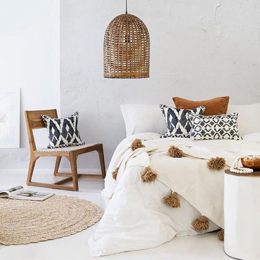 moroccan blanket with pompoms