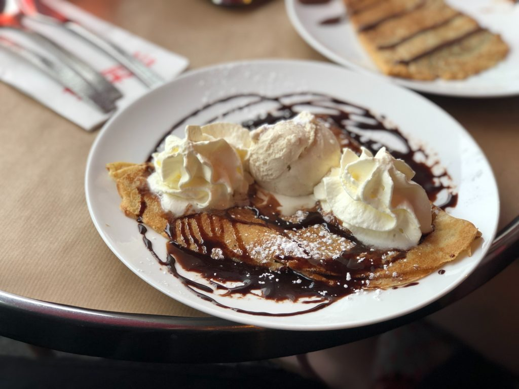 traditional czech foods, chocolate crepes